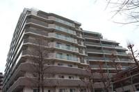 外観:人気の御堂筋沿線♪近隣環境が良く利便性あるマンションですよ♪