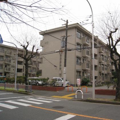 外観:新金岡駅まで徒歩8分の好立地です。